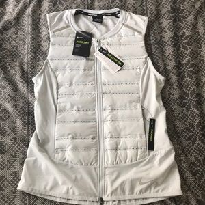Nike areoloft women's running vest size small NWT